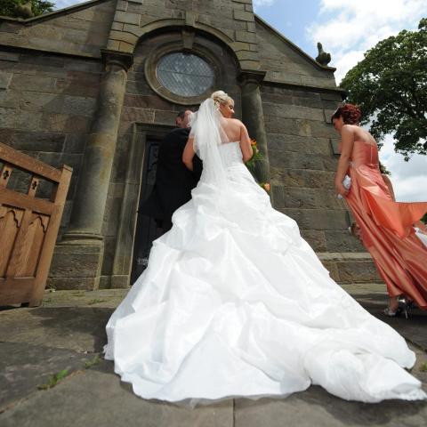 Wedding Photography by John Grayston - Lifestylefoto.com - Enter the Church